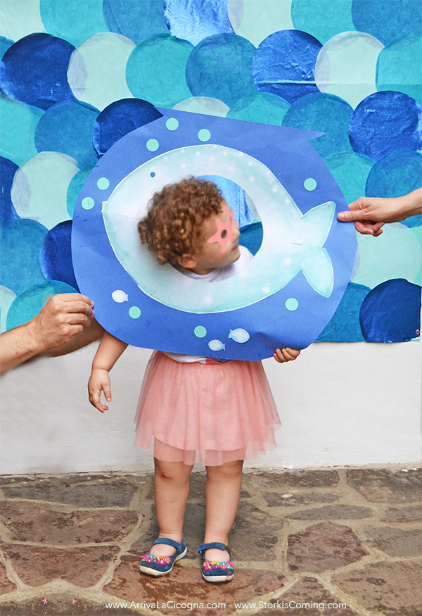 my DIY under the sea photobooth with bubbles and fishbowl