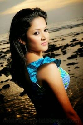 Bangladeshi+hot+model+Srabonti+Kar+Urmila+best+photo+gallery001