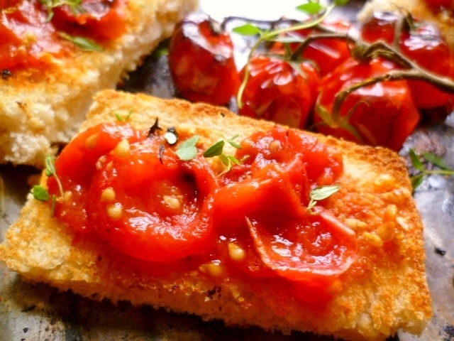 ... Scarlet: a simple pleasure: tomatoes on toast (pan con tomate