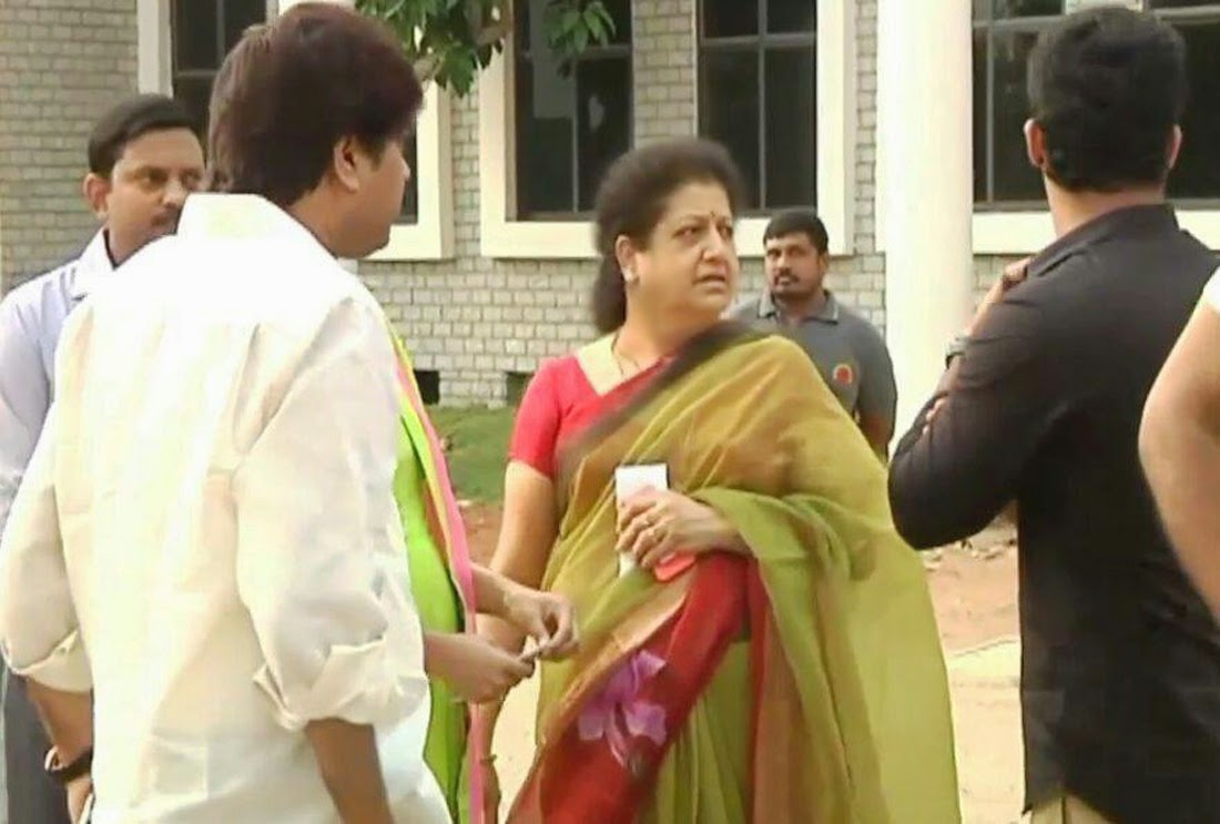 ntr and family using voting in 2014