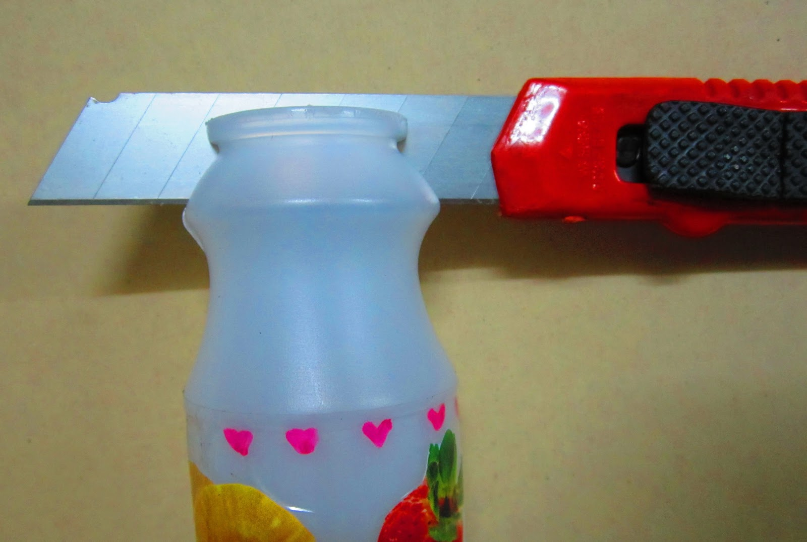 reuse plastic,reuse yogurt bottle ,idea from plastic bottle,how to fromm yogurt bottle