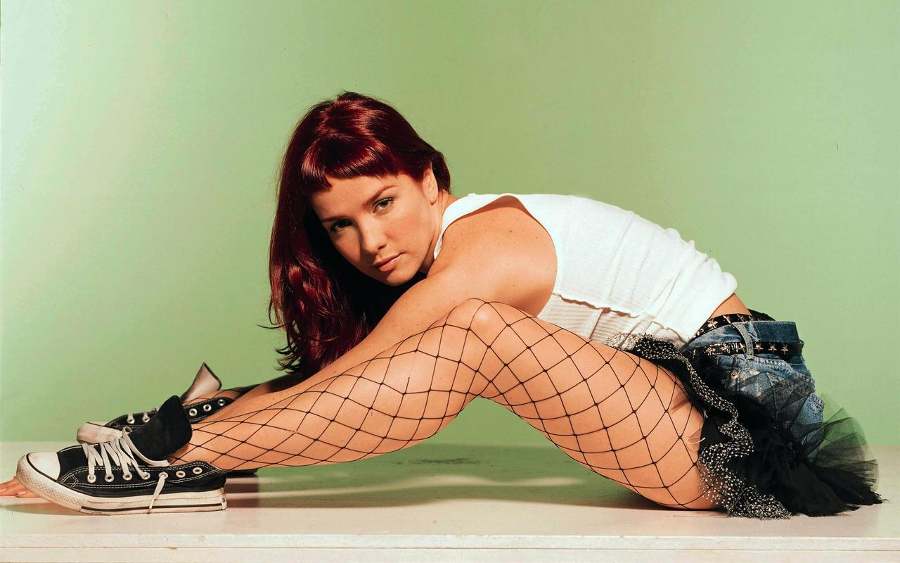http://1.bp.blogspot.com/-lcVLGgALoB4/T9toBRY54lI/AAAAAAAAeMg/tMQqHwHtVL4/s1600/Natalia-Oreiro-Pose-by-hqwallpaper.in.jpg