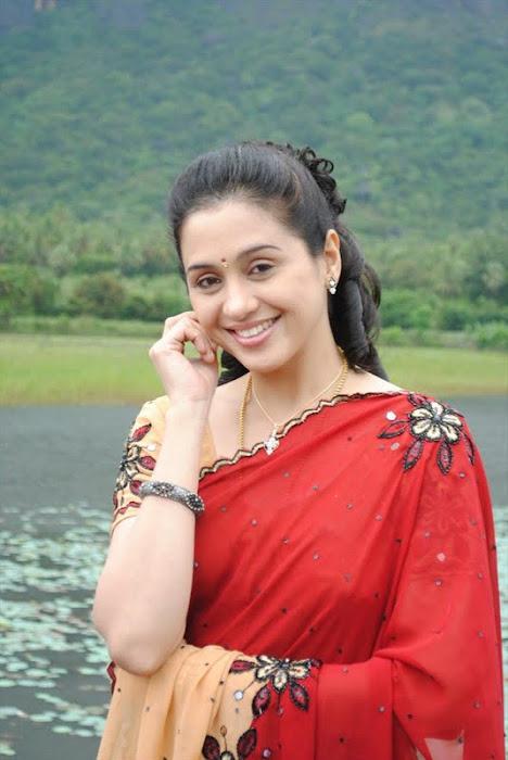 devayani @ kodi mullai tv serial hot images