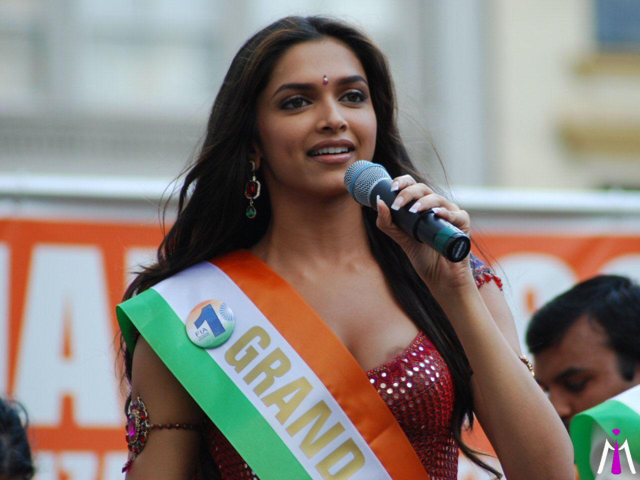 Deepika Padukone Nipple Pokie Impression Hindi