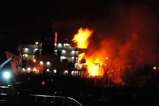 Kapal Minyak  MISC ship Bunga Alpinia Terbakar Di Labuan