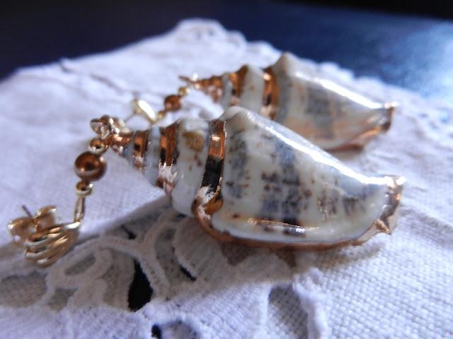 gold shell drop earrings