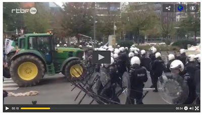 http://www.rtbf.be/video/detail_agriculteurs-confrontation-avec-la-police?id=2041203