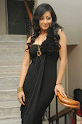Tanishka Glam Photo shoot in Black-thumbnail-20