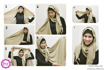 Cara Memakai Jilbab Terbaru Tips Trik Mengenakan Kerudung Untuk Wanita Perempuan Menutupi Aurat Sesuai Syariat Islam Modern Dengan Video Dan Gambar Langkah Ketiga