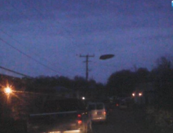 Black Disc UFO Captured Above Canada 2015, UFO Sighting News