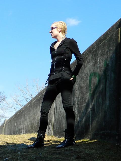 alt goth industrial fashion models Raivyn dK - Levis, Royal Bones, Eyeshadow, Lovesick, Mossimo