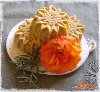 Bio-homoktövises kecsketej szappan mangóvajjal.