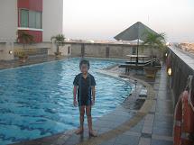 Ramzi Smart Travel Swimming Pool Of Grand Zurich Hotel