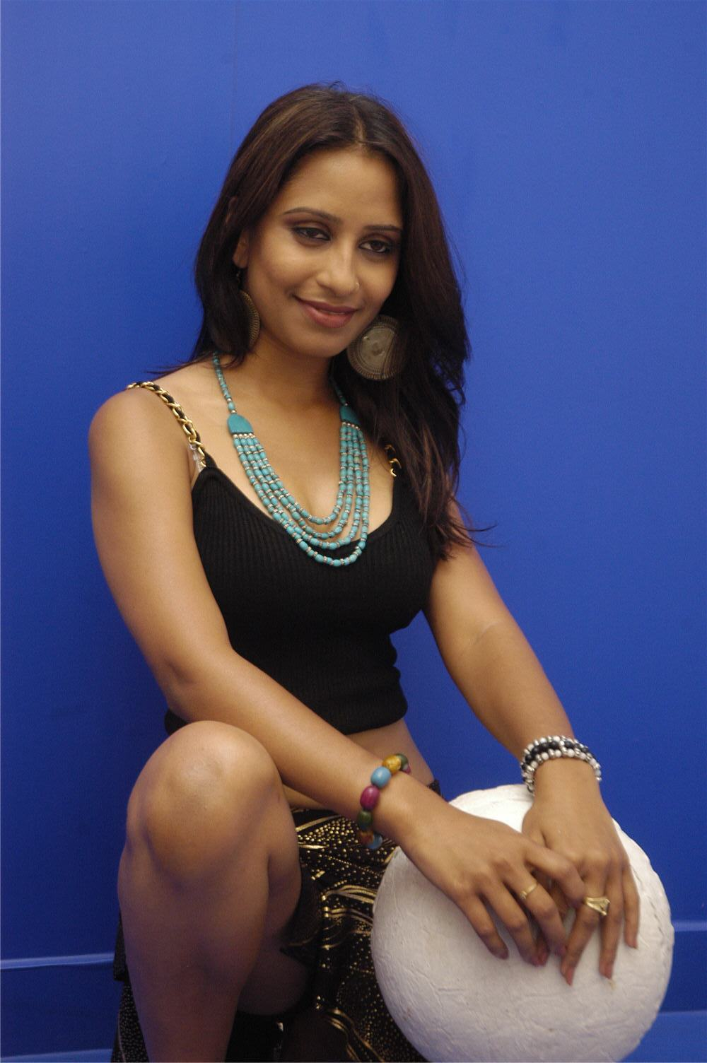 cinesizzlers: tollywood singer tina hot photos gallery part2