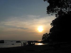 Sepetang di Tanjung Bidara