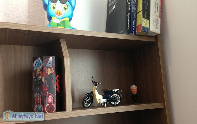 Honda Super Cub Model Toy Bike 3