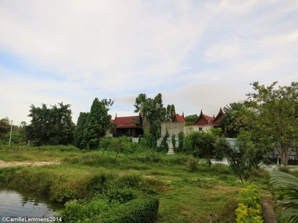 Wat Bophud grounds