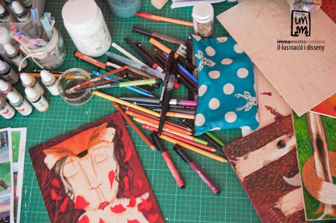 el meu despatx és un caos quan estic pintant. ©Imma Mestre Cunillera
