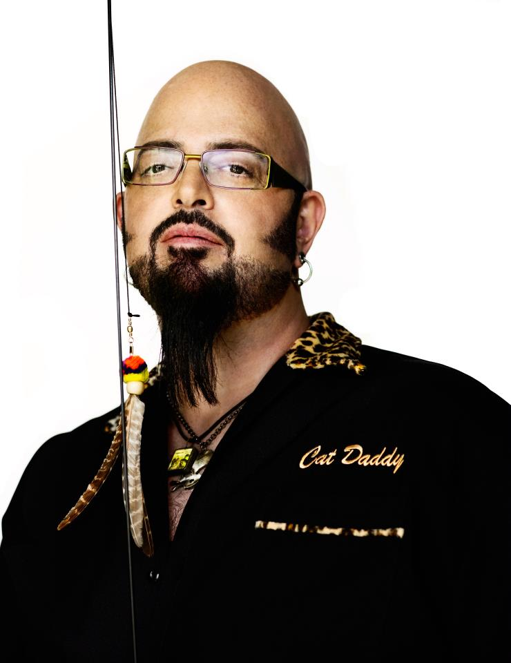 A cat in every place tv shows dedicati ai gatti for Jackson galaxy images