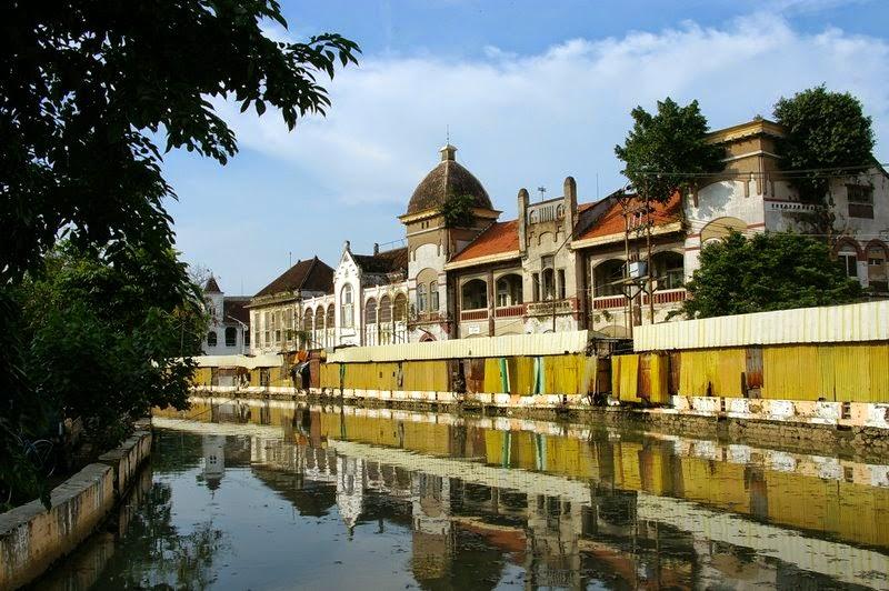 Menikmati Suasana Tempoe Doeloe Di Kota Lama Semarang