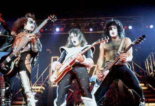 1977.... Kiss1977_GeneAcePaul