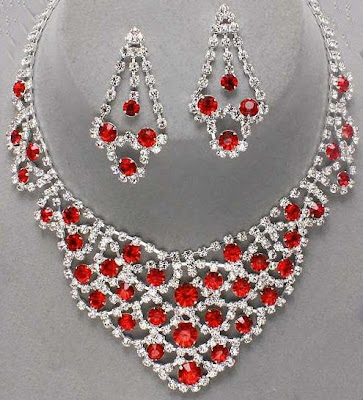 White and Red Stone Necklace