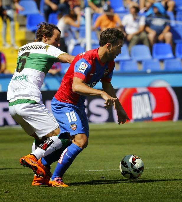 Levante y Elche se enfrentaban en el ciudad de Valencia con todo decidido y  con la tranquilidad de saber que la próxima temporada seguirán en la Liga  BBVA ... b147bef353554