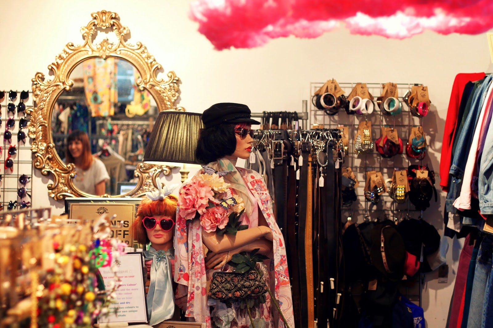 Rokit, visual merchandising, vintage, accessories