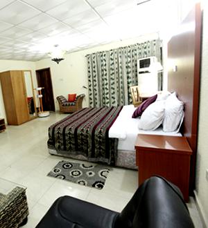 Etal Hotels Ikeja Deluxe Suite