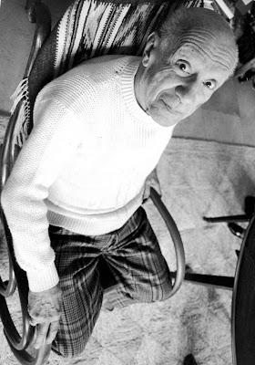 Picasso in zijn schommelstoel