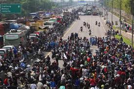 Sedikit tidak puas langsung Demonstrasi