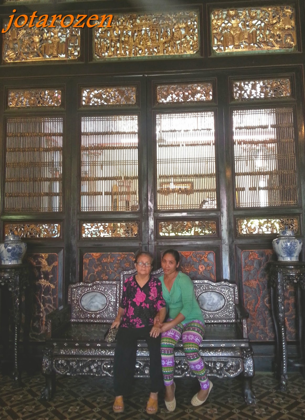 Footsteps Jotaros Travels Sites Cheong Fatt Tze  : 17CarvedTimberRearPanelMainEntranceCheongFattTzeMansionPenang 069 from jotarofootsteps.blogspot.com size 1162 x 1600 jpeg 412kB