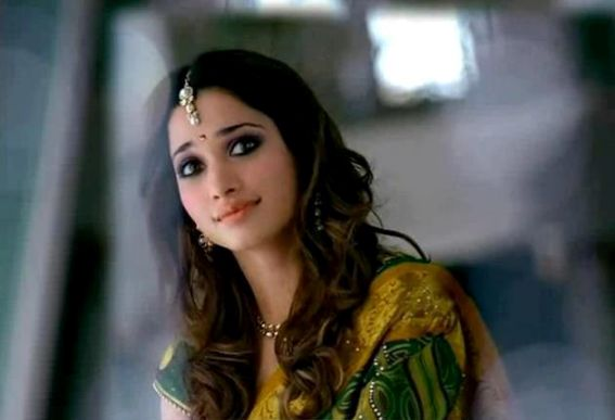 tamanna in saree hot images