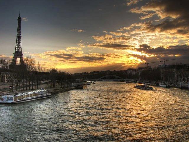 Paris vista da Ponte da Alma.
