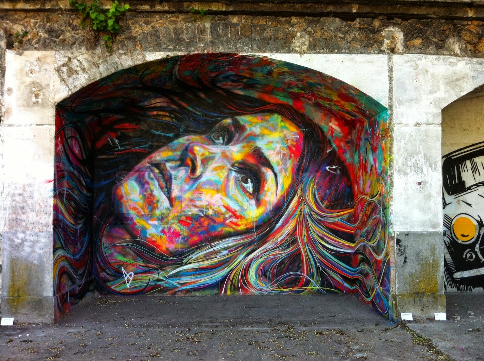 After Miami and the successful opening of his solo exhibition (covered), David Walker is back in Europe where he attended the In Situ Street Art Festival in the suburbs of Paris.