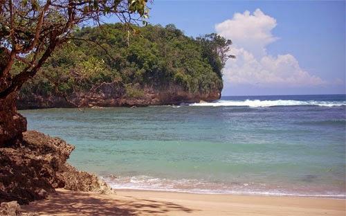 Wisata Pantai Ngliyep Malang