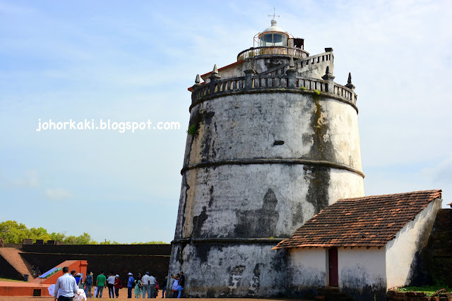 Forts-Goa-Attractions-Tour-India