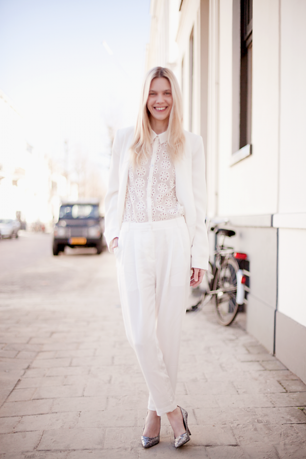 Must-have for the Summer: White blazer
