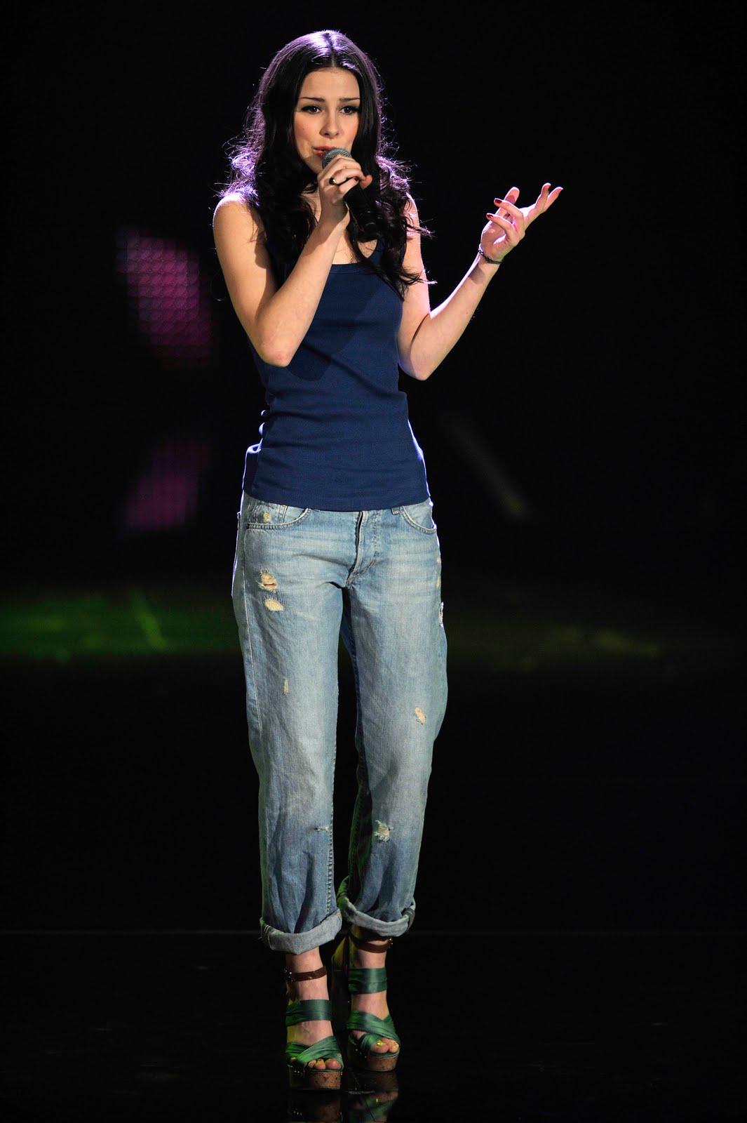 http://1.bp.blogspot.com/-lgPSHYMsYGo/TfpQ3i9LD0I/AAAAAAAAA18/DBt_-YoiYsE/s1600/Lena-Meyer-Landrut-Feet-336129.jpg