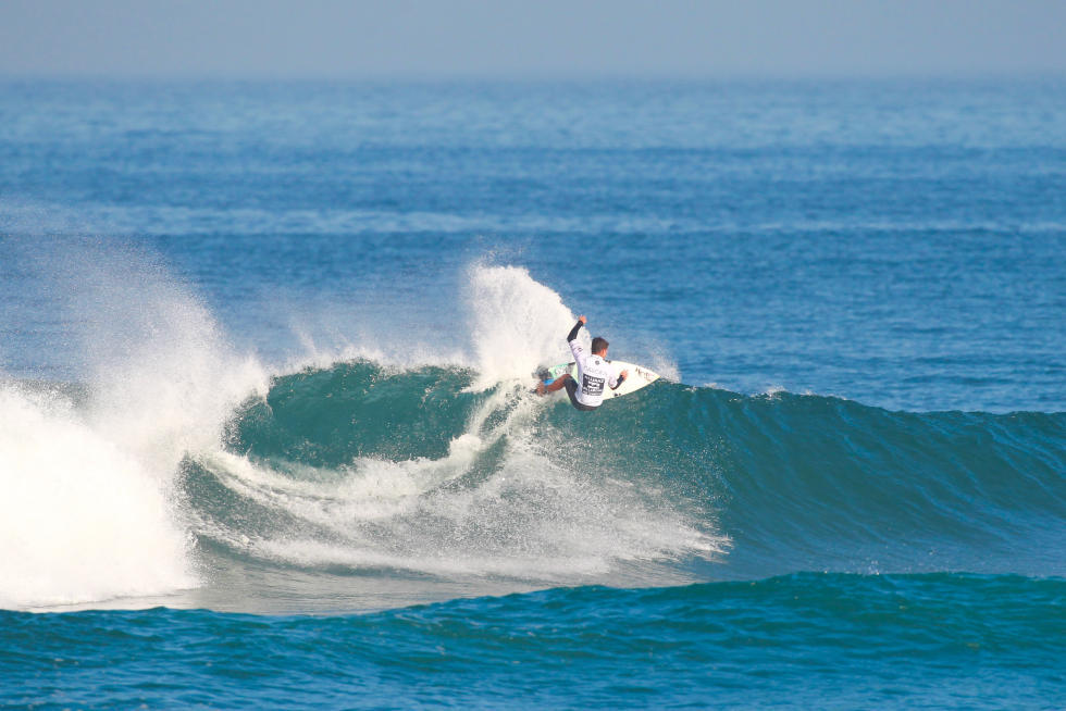 14 Deivid Silva BRA 2015 Allianz Billabong Pro Cascais Foto WSL Laurent Masurel