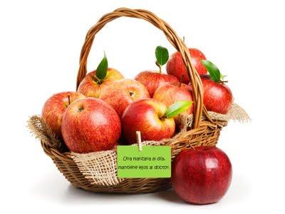 Una manzana al día, mantiene lejos al doctor. - Apples