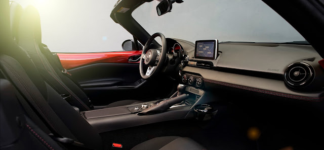 Interior view of 2016 Mazda MX-5