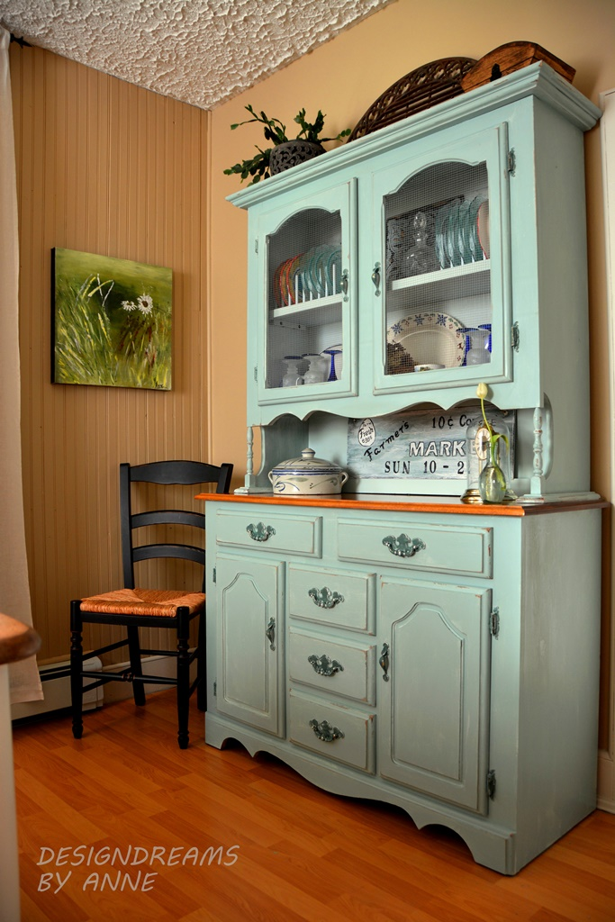 Designdreams by anne turquoise hutch for Painted dining room hutch ideas