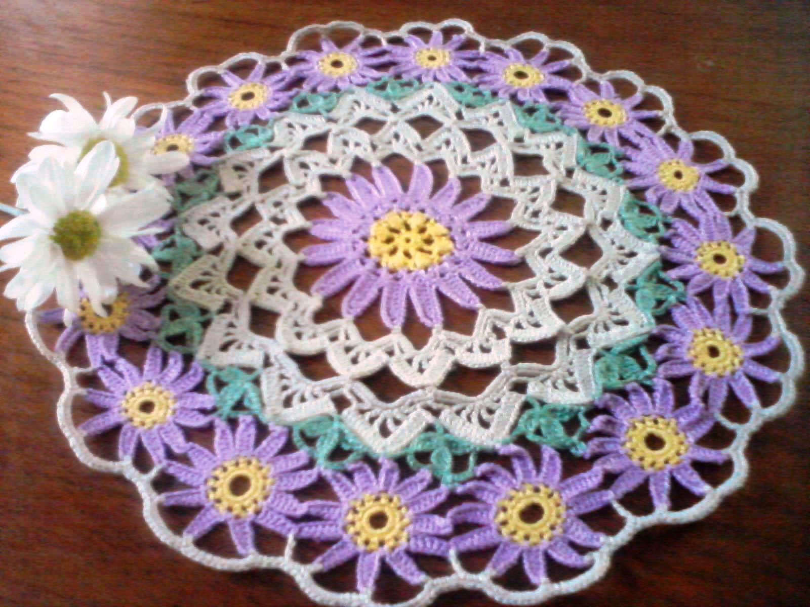 Solo esquemas y diseños de crochet: CARPETA CON FLORES
