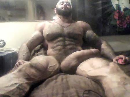 beefy muscle bear bara tumblr