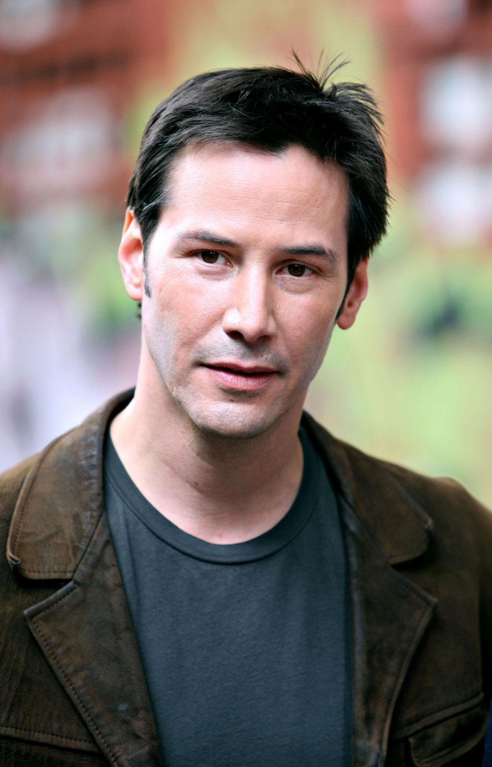 Has Keanu Reeves the facial structure of an incel