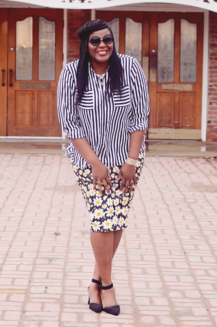 how to wear stripes and floral. Plus size fashion for plus size women mixing prints