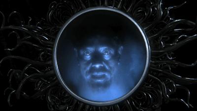 Η Μαγεία του Καθρέπτη.Μην κοιτάζεσαι σε καθρέφτη που βρίσκεται κοντά σε λύχνο!!!