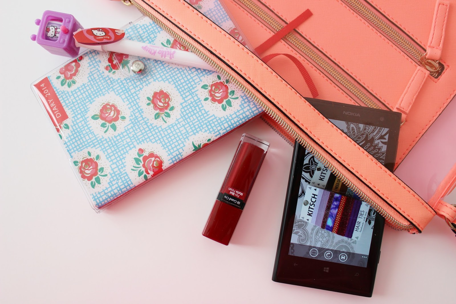 blogging on the go essentials ft. diary, pen and nokia lumia 1020