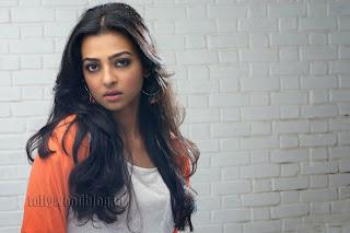 Radhika Pate Glamorous Pictures 009.jpg